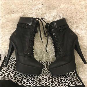 Rihanna Black High heels Size 6 Like New